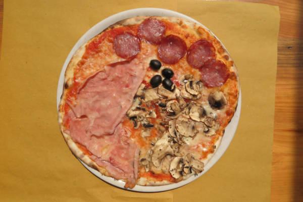tomato, mozzarella, olives, ham, mushrooms, salami