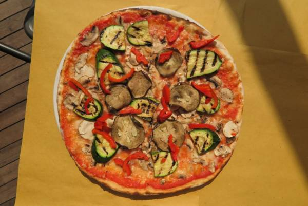 tomato, mozzarella, sweet peppers, zucchini,aubergines, mushrooms