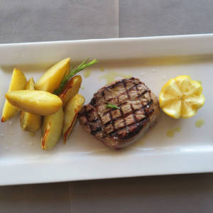 Grilled Beef Fillet with Roasted Potato
