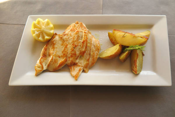"""Chicken Breast """"Payés"""" with Roasted Potato"""